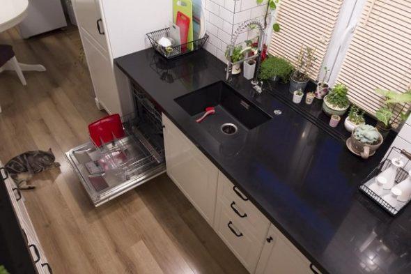 Встроенная кухня с мойкой