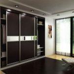 Встроенный шкаф в комнате отдыха