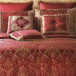 Бордовый с золотом для изысканной спальни