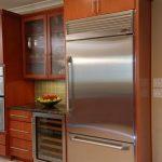 Частично встраиваемый холодильник