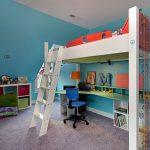 Детская кровать-чердак со стильной лестницей