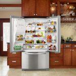 Функциональный продуманный холодильник большого размера