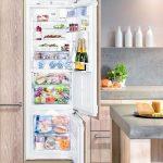 Холодильник в шкафу- интересное решение