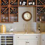 Коллекция вин на кухне