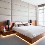 Кровать со спинкой на всю стену