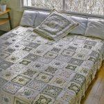 Нежное и уютное покрывало для кровати в пастельных тонах