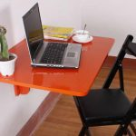 Оранжевый откидной стол для работы за компьютером