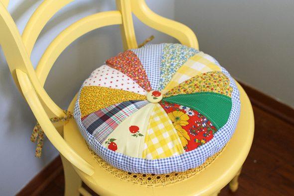 Оригинальная круглая подушка