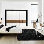 Оригинальное применение парящей кровати в интерьере спальни