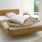 Шикарная летающая кровать в деревенском стиле