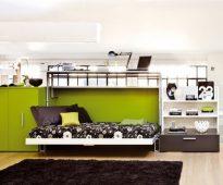 Совмещение стола с надстройками и полноценной кровати