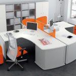 Офисная мебель для персонала с яркими деталями