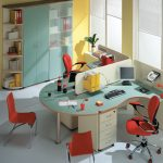 Яркий офис