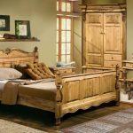Брашированная мебель в спальне