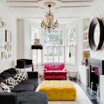 Черный угловой диван для небольшой комнаты