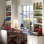 Детский письменный стол для двоих мальчиков