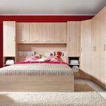 Корпусный угловой шкаф для спальни