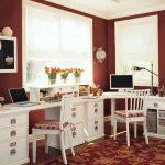 Красивая комната для подростков с двумя отдельными столами
