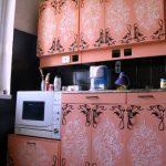 Красивая кухня с узорами после переделки
