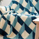 Красивое покрывало для дивана своими руками