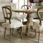 Красивые сиденья-чехлы на деревянные стулья