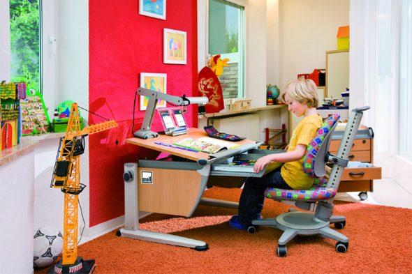 Работа за письменным столом