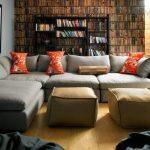 Мягкий угловой диван с пуфами