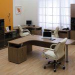 Офисный кабинет для трех человек