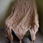 Плед с кисточками для кресла или дивана
