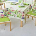 Подушки на стульях – типичные элементы прованского интерьера