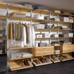 Распределяем вещи в гардеробной удобно и функционально