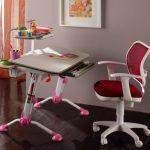Регулируемый стул для первоклассницы