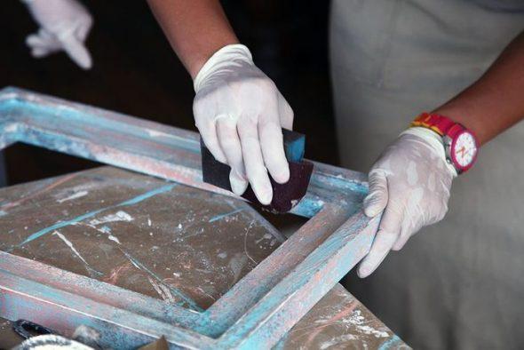 Счищаем лишние слои краски