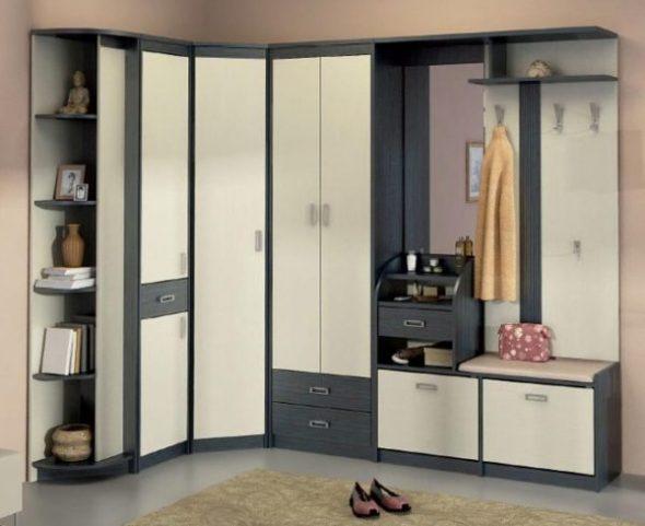 Шкаф-купе может вмещать самые разнообразные вещи и предметы