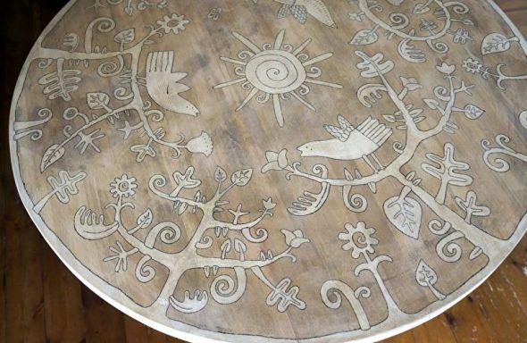 Стол с художественной росписью