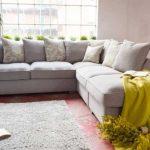 Угловой диванчик для уютной гостиной