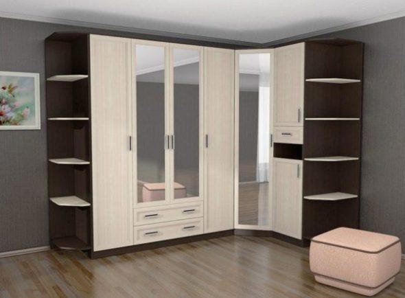 Угловой шкаф в коридор в светлых оттенках