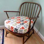 Высокая мягкая подушка на стул