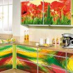 Яркий декор кухни своими руками