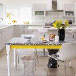 Яркий кухонный стол после реставрации