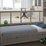 Кровать-подиум в десткой комнате позволяет сэкономить место