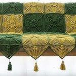 Красивая накидка-покрывало в двухцветной гамме