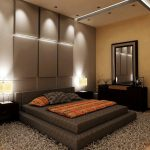 Современное оформление спальни с кроватью на подиуме