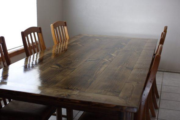 Большой классический обеденный стол