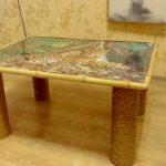 Декор столика мозаикой и бечевкой
