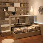 Компактная выдвижная кровать с подиумом для рабочего места