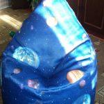 Кресло-мешок своими руками в космическом стиле