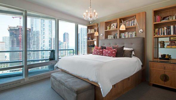 Кровать на высоком функциональном подиуме