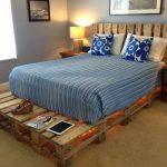 Кровать с подсветкой из поддонов