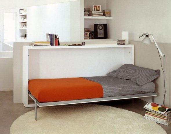 Кровать, встроенная в консоль